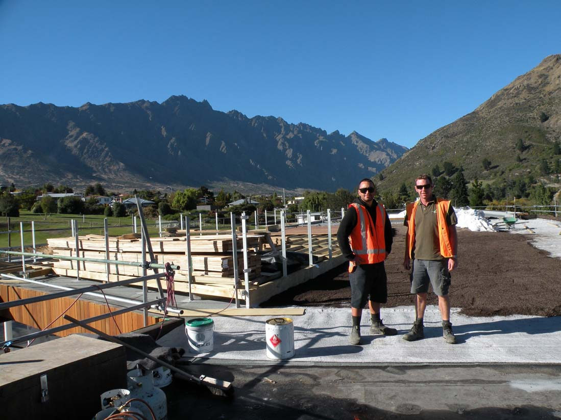 Remarkables Primary School Green Roof installation team