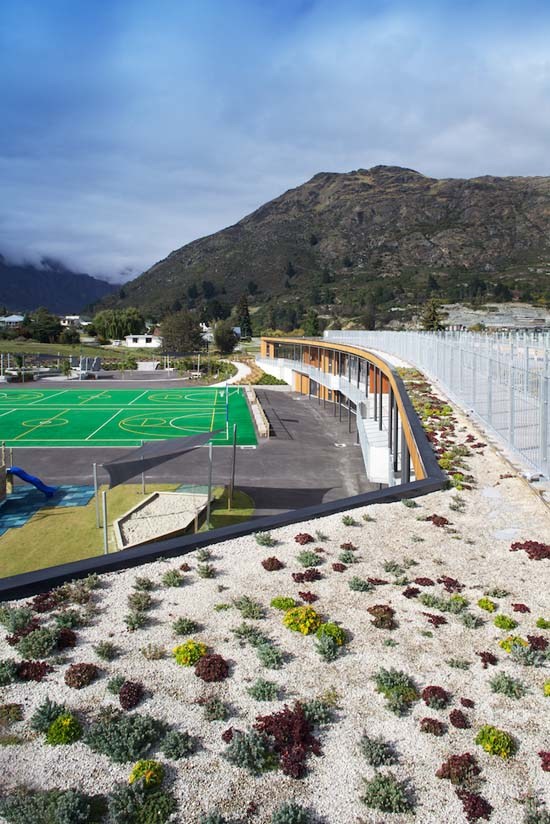 New Green roof installed at the Remarkables Primary School